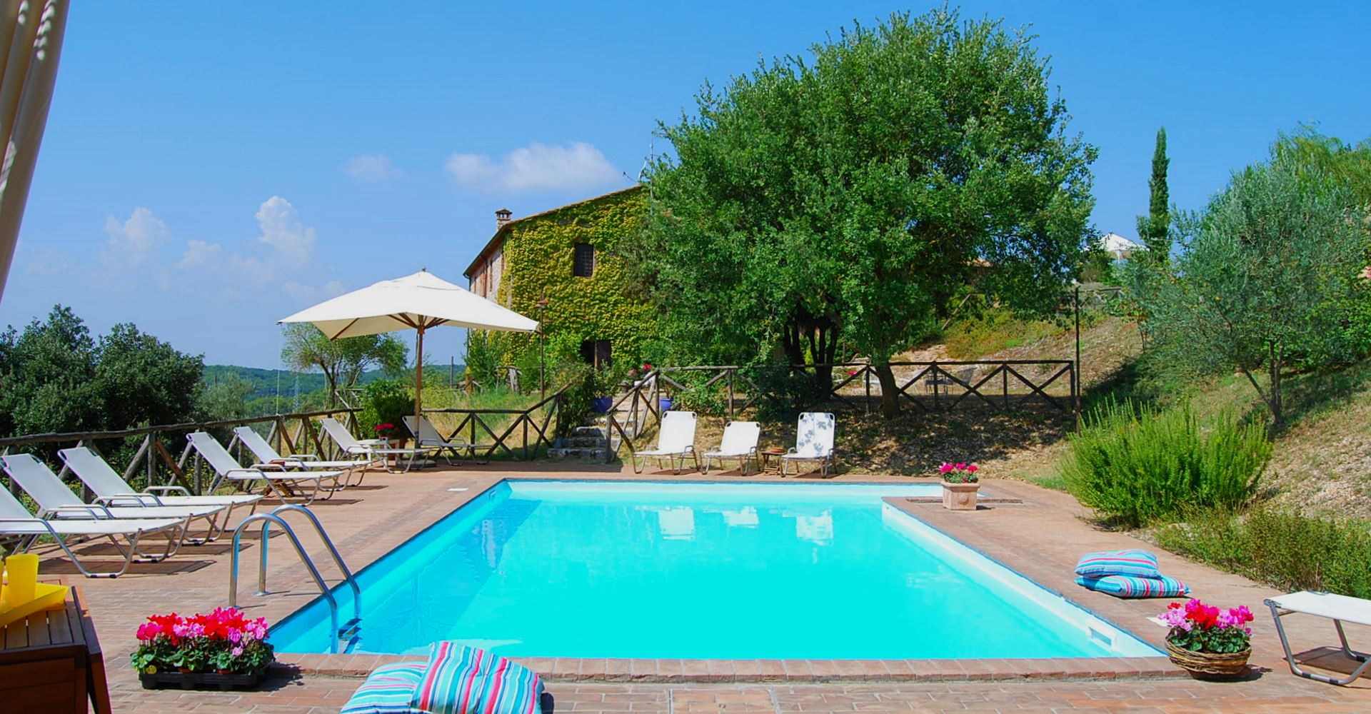 La piscina del Podere Costa Romana